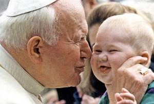 Papież-JP-II-i-Dziecko